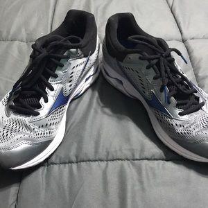 Mizuno Shoes - Grey & Blur Mizuno Running Shoes